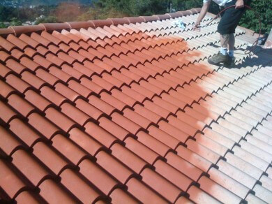 Application d'un hydrofuge sur une toiture