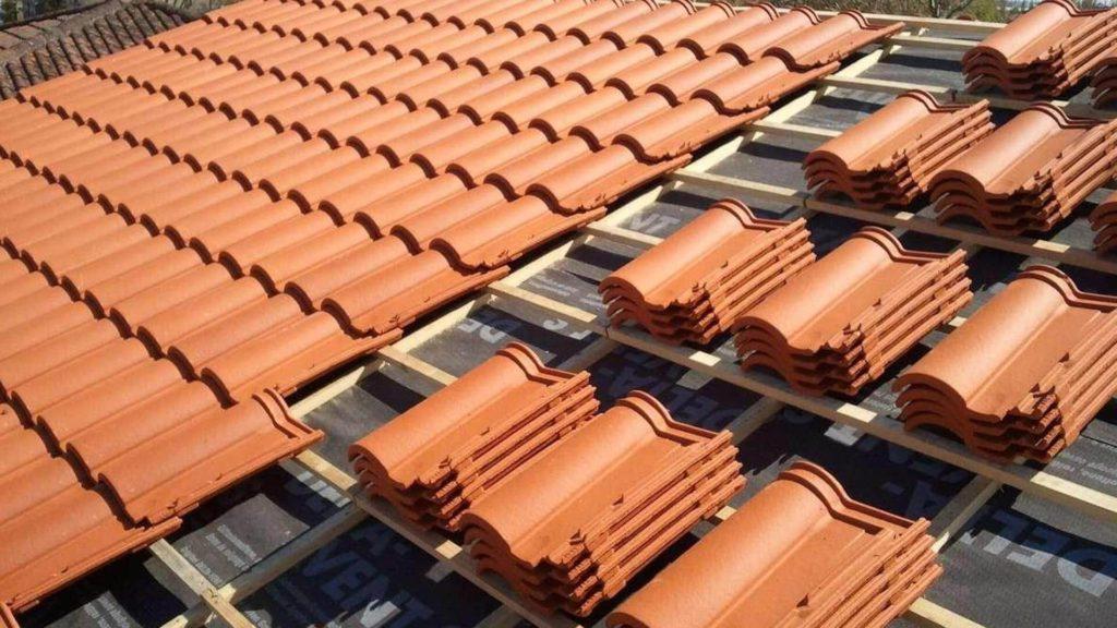 Réfection d'une toiture en tuiles
