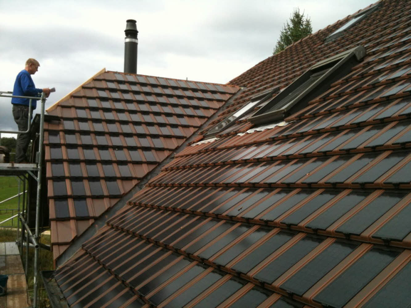 Toiture en tuiles photovoltaïques