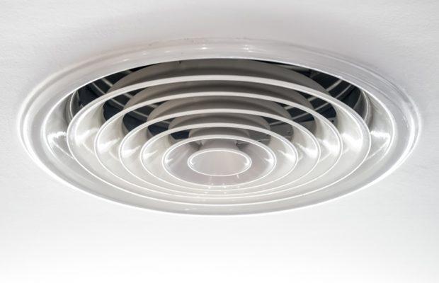 713, 713, Ventilation positive grille, PPF-Ventilation-3.jpg, https://www.preservationdupatrimoine.fr/wp-content/uploads/PPF-Ventilation-3.jpg, Grille d'évacuation d'une ventilation positive, 9, , , ppf-ventilation-3, 2016-10-31 13:48:50, 2018-06-06 09:43:27, image/jpeg, image, https://www.preservationdupatrimoine.fr/wp-includes/images/media/default.png, 800, 622, Array