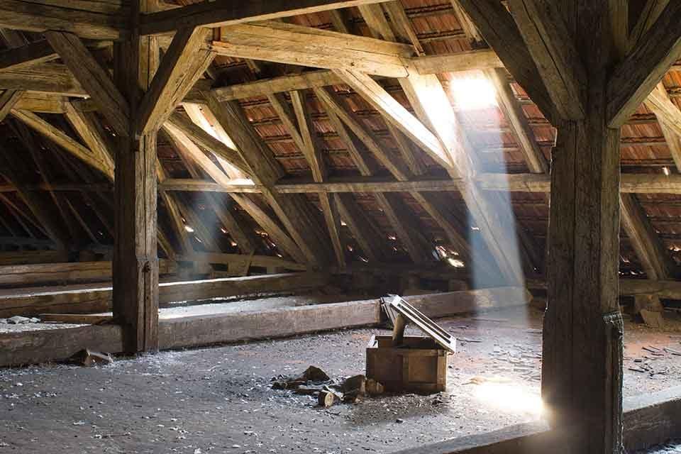Isolation des combles en rénovation à Lyon
